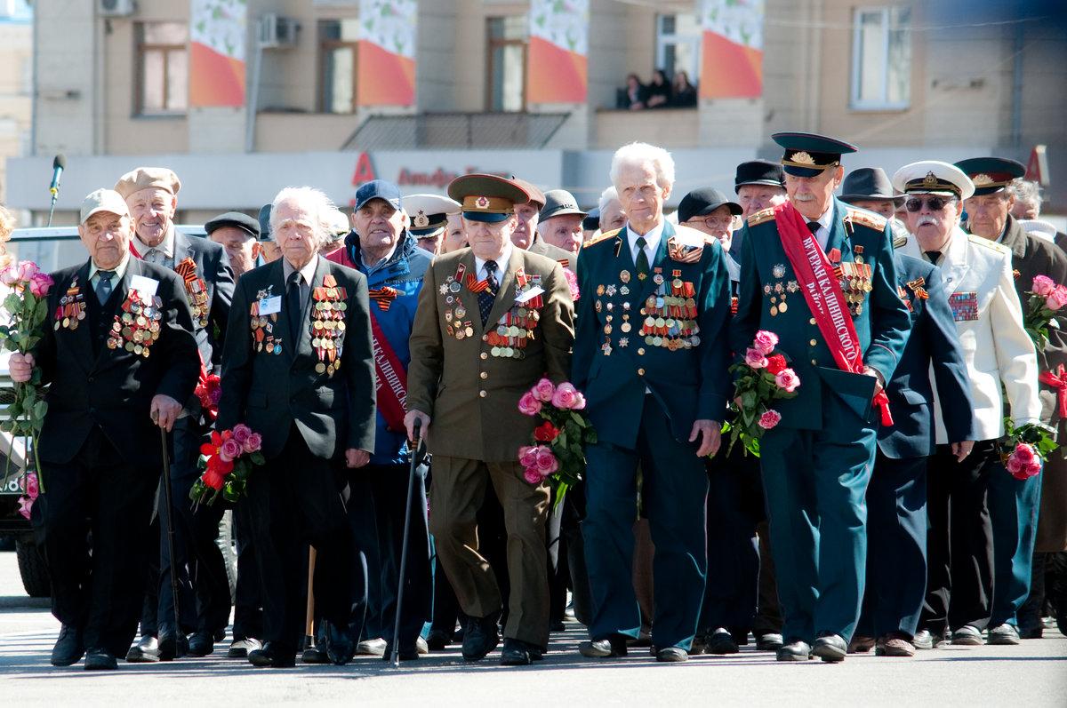 На парад Победы в Смоленске не пригласят ветеранов