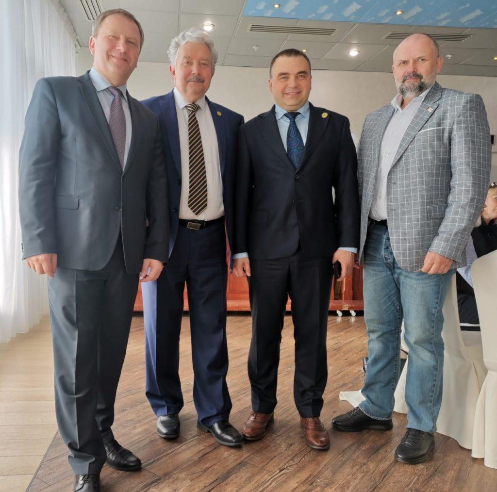 В Москве избрали руководство партии «Российский общенародный союз»