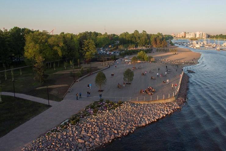 Вдоль Финского залива: в Петербурге всем городом облагораживают набережные