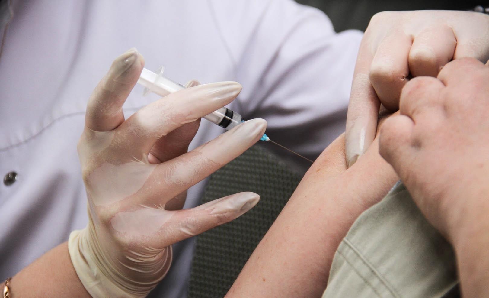 вакцинация, укол, прививка, врач